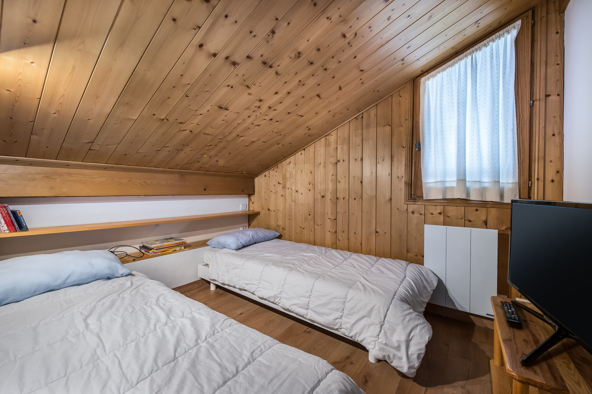 CHALET SAPIN ROUGE